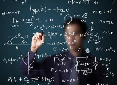 پاورپوینت به دست آوردن جواب های مثبت برای معادلات براتو با استفاده از روش تجزیه آدومیان